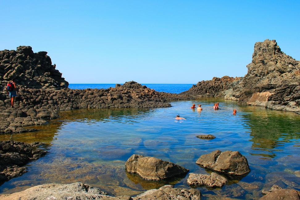 Le 10 piscine naturali piu 39 belle d 39 italia per un for Piscine ondine estaires
